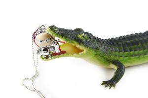 Still life pendolo con coccodrillo